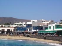 Playa_Blanca_Town_Promenade_and_Beach_01