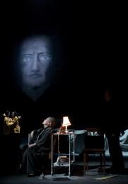 Kirsten Dene als Helene Alving; © Reinhard Werner, Burgtheater