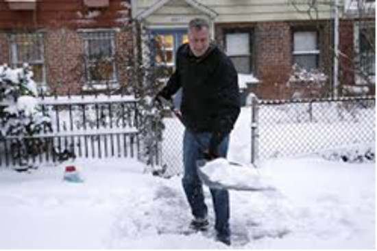 The mayor battles a blizzard