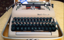 1024px-Smith_Corona_Silent_Super_typewriter
