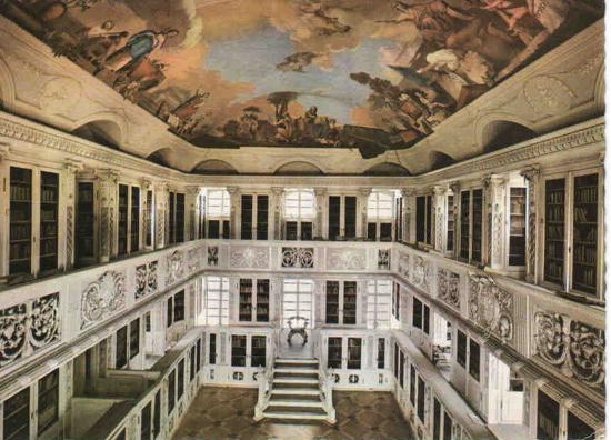 Bibliothekssaal