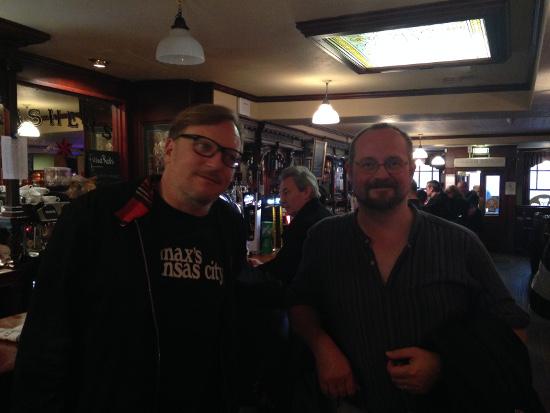 "Das Pub an der Friedhofsmauer: Nach ein par Pints im ""Prince of Wales"""