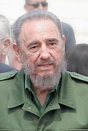 """Fidel Castro"" von Photo: Antonio Milena - ABrEditing: Lucas (crop, blur, retouch, color, modify) - This image. Lizenziert unter CC BY 3.0 br über Wikimedia Commons - http://commons.wikimedia.org/wiki/File:Fidel_Castro.jpg#/media/File:Fidel_Castro.jpg"