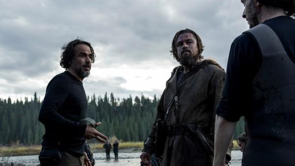 Alles echt: Regisseur Alejandro González Iñárritu bei Aufnahmen unter realen Lichtbedingungen am Set