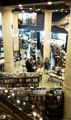 The Last Bookstore: Eine Buchhandlung, die es nicht geben dürfte, jedenfalls nicht in Los Angeles.