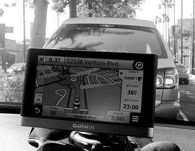 Für Orientierungslose gibt es heute Autopiloten. Aber wohin führen die uns, die Auto-Piloten?