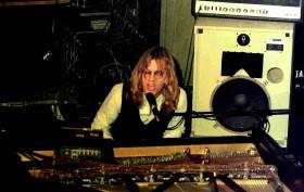 800px-Warren_Zevon_1976