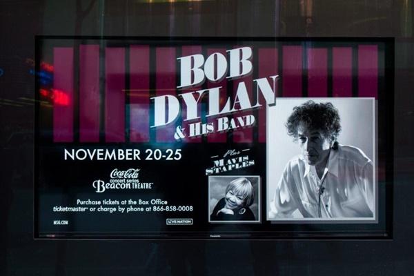 13) Plakat Dylan - Staples