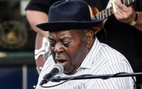 thick 3 single 4 ohm subs nice when