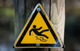 sign-slippery-wet-caution