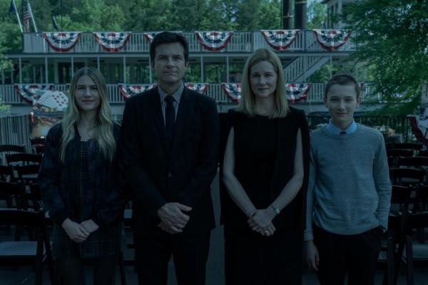 Eine schrecklich nette Familie- Charlotte, Marty, Wendy und Jonah Byrde (Sofia Hublitz, Jason Bateman, Laura Linney und Skylar Gaertner, v. l. n. r.). (Bild- PD)
