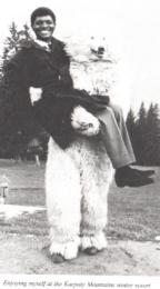 Shivute Eisbär