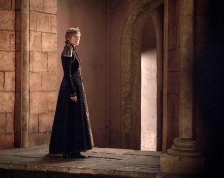 Sie übt Macht aus, aber wie- Cersei Lannister (Lena Headey), die zum Ende der siebten Staffel auf dem Eisernen Thron sitzt. (Bild- HBO)