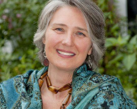 2009 portrait of Louise Penny