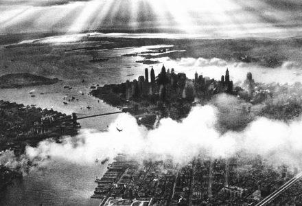 800px-Sunset_over_New_York_City_1932