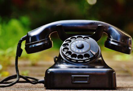 phone-old-year-built-1955-bakelite-163007